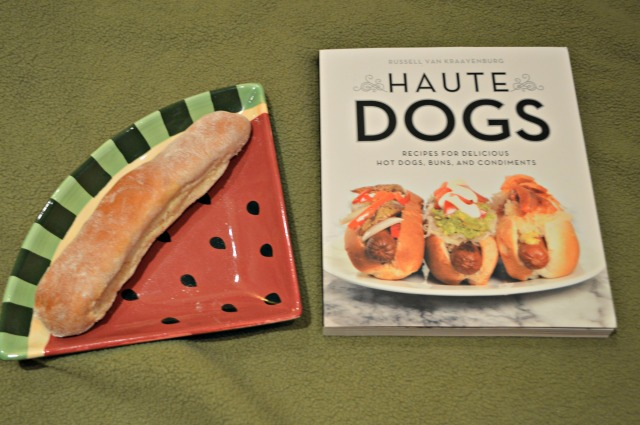 Haute dog whole wheat buns